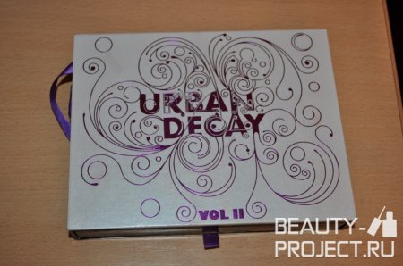 Urban Decay Book of Shadows Vol. II
